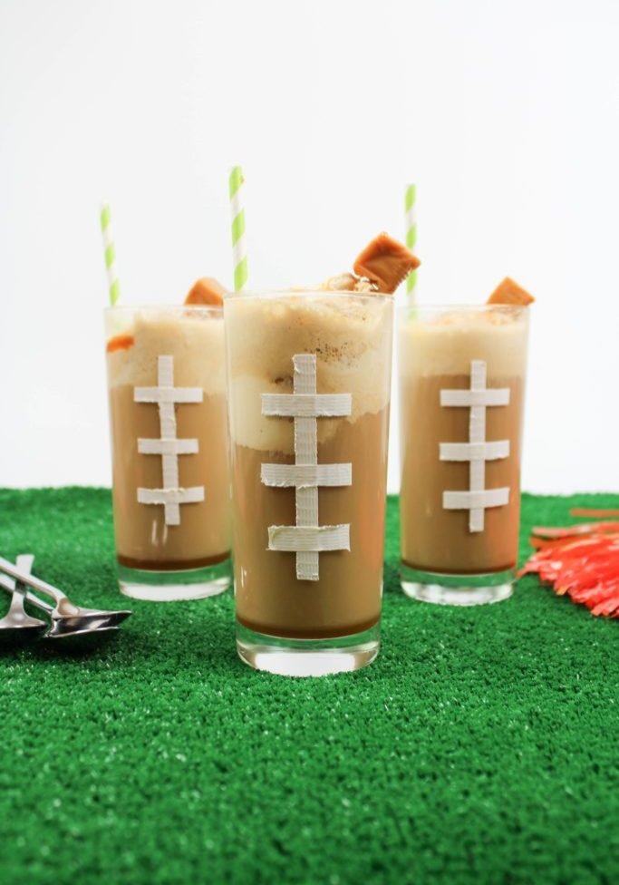 Caramel-Whiskey-Root-Beer-Floats-683x1024