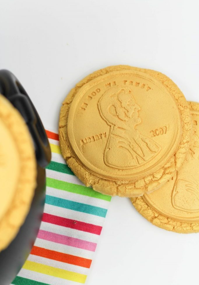 St.-Patricks-Day-Golden-Coin-Cookies-3-683x1024